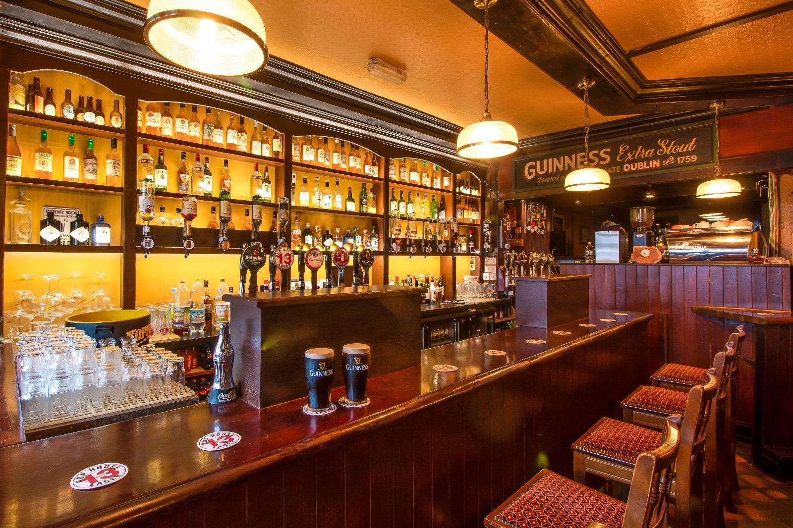Kingstons Bar