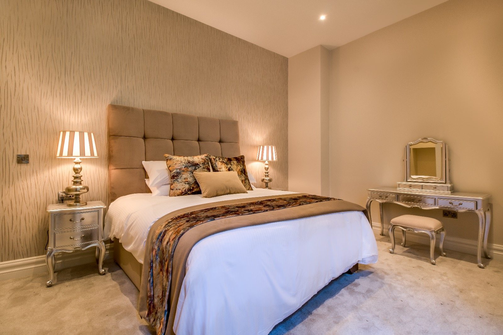 Kingstons Townhouse Executive Bedroom
